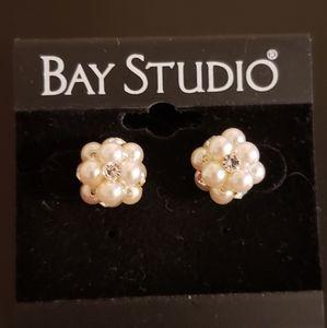 💕Pearl Cluster Pierced Earings Bay Studio